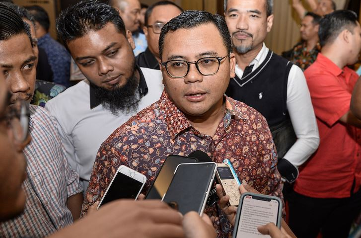 Selangor Plans To Get More Interceptors To Treat Polluted River Water, Says MB